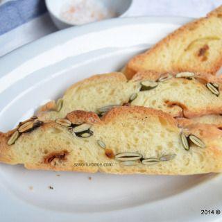 Paine seminte dovleac ceapa parmezan (1)