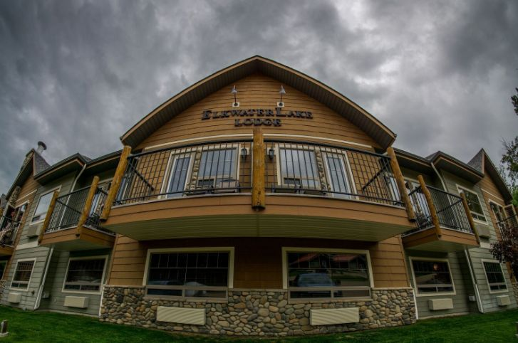The Elkwater Lake Lodge - an elegant four season accommodation in Cypress Hills, Alberta.