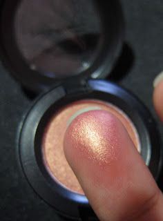 MAC Eye shadow - Expensive Pink. Beautiful coral-gold color