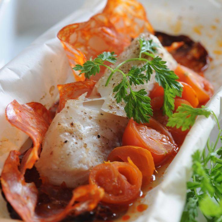 Découvrez la recette Papillotes de cabillaud au chorizo sur cuisineactuelle.fr.