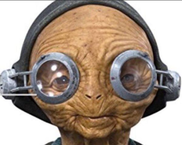 Star Wars Episode 8 Spoilers: How Did Maz Kanata Get Luke's Lightsaber? - http://www.morningledger.com/star-wars-episode-8-spoilers-how-did-maz-kanata-get-lukes-lightsaber/13106701/