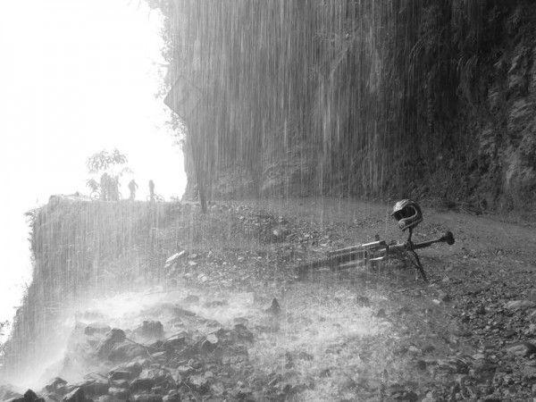 Bikerumor Pic Of The Day: Death Road Bolivia