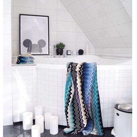 Drømmer du om nytt bad til jul? Interform har ett flott utvalg av badekar og dusjløsninger😊Dette er ett Lagune badekar som er innmurt. Lekkert?#interiør#interior#baderom#bad#badet#velvære#spa#oppussing#bathtub#baderominteriør#bathroom#design#dusj#inspirert#inspirasjon#bathroomdesign#bathroominspiration#hjem#bolig#pusseopp#renovering#oppussing#bathroomideas#vakrebad#vakrehjem#luksus#interform#microsilk#interformas