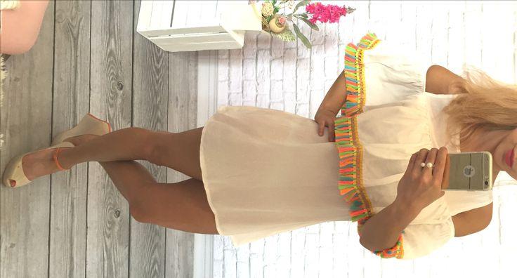 http://voshi-style.pl/sukienki/12-biala-sukieneczka-indiana-fredzelki.html