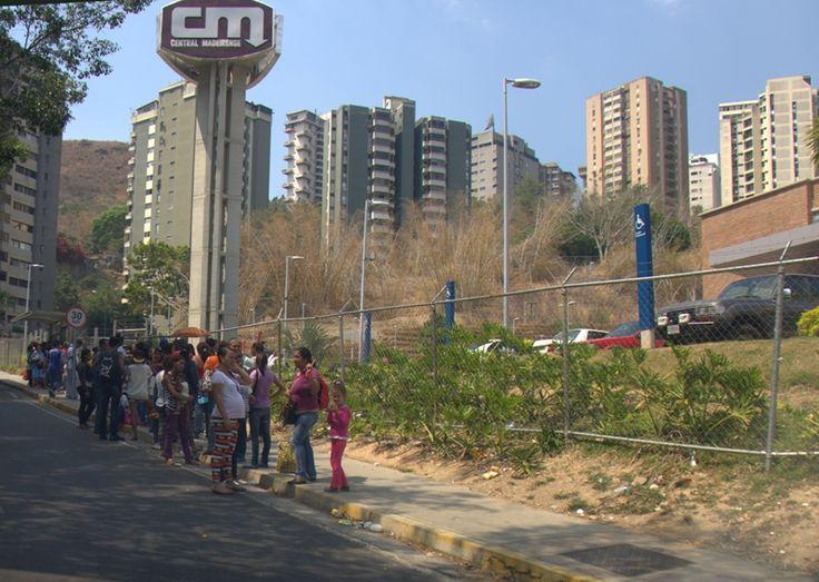 La Semana Santa de este año es atípica para los venezolanos:más días libres, pero menos distracción. Entre el racionamiento de luz, las interrupciones en e