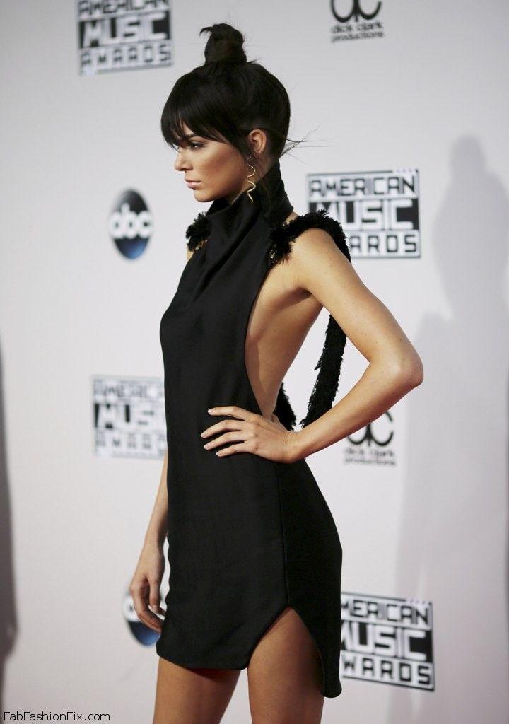 Kendall Jenner wearing Oriett Domenech black dress at the 2015 American Music Awards. #AMAs #kendalljenner