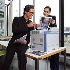 La singular impresora que utiliza agua del grifo en lugar de tinta