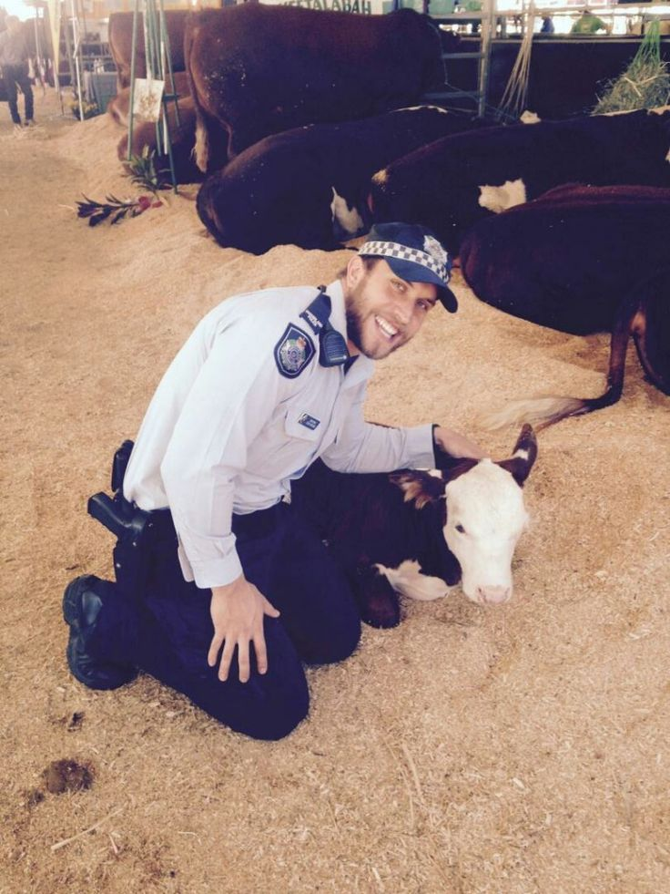 Rocky police got close and cuddly with the local livestock and got an all things cattle 101 lesson from the experts!
