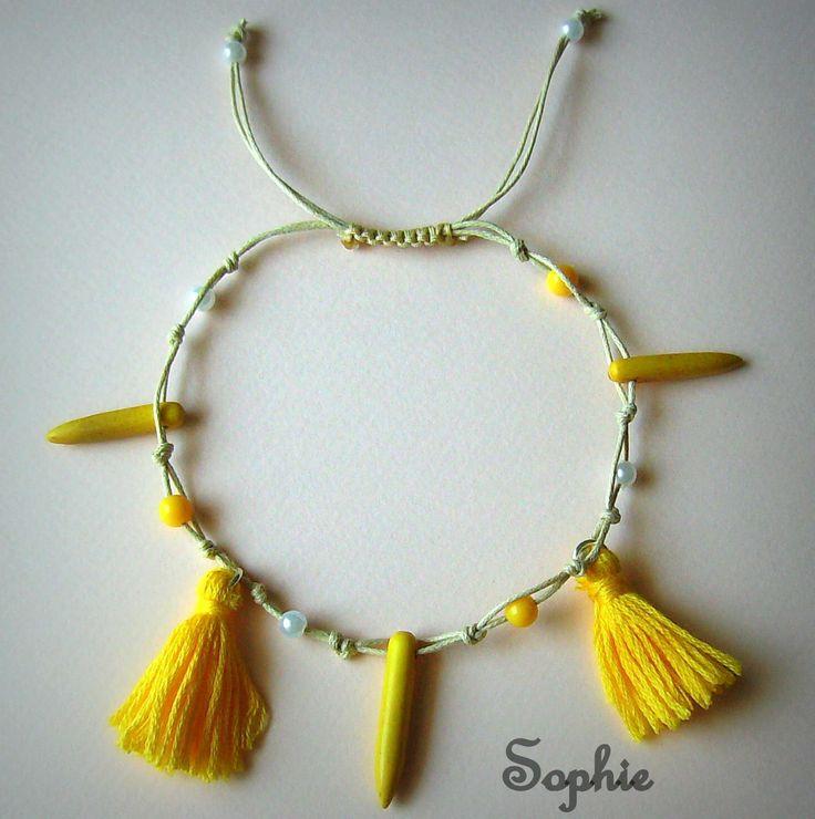 κίτρινες φουντίτσες και στοιχεία Χαολίτη στο boho βραχιόλι ποδιού bohem anklet bracelet handmade Greece yellow boho summer howlite tassels foot accessories  https://www.facebook.com/SophiesworldHandmade/