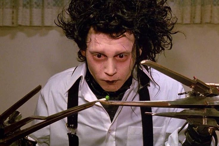 """Johnny Depp jako Edward Nożycoręki w filmie """"Edward Nożycoręki"""""""