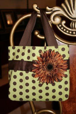super cute bag - think about burlalp or linen across front with big burllap flower