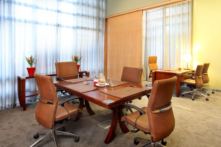 Executive lounge, boardroom & office with full private bathroom. Dual entrance/exit.