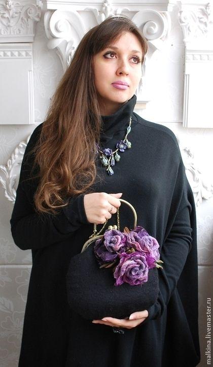 Женские сумки ручной работы. Валяная сумочка Фиолетовые розы. Валяный шарф жилет шапка брошь Эмма. Интернет-магазин Ярмарка Мастеров.