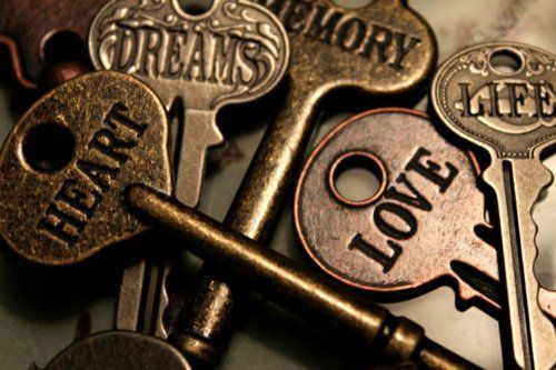 Would be cool to find different keys and have different things put on them.Doors, Inspiration, Life, Heart, Dreams, Keys, Quote, Locks, Things