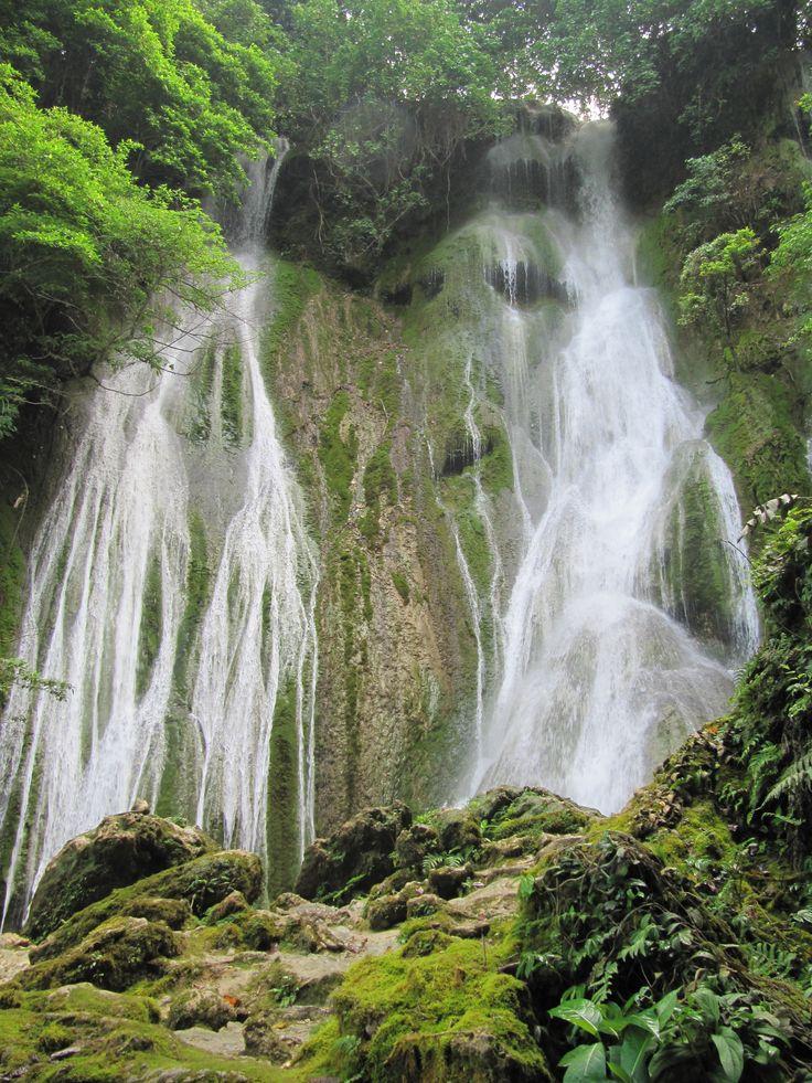 Cascades Waterfall, Port Vila, Vanuatu 2013 Photo by Miranda torget