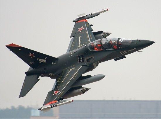 """Russian Yakolev Yak130 """"Mitten"""" ground attack/advanced trainer.  Plus de découvertes sur Drone Trend.fr #drone #uav #robot"""