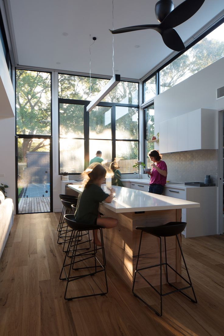 Designed by Ben Callery Architects, the Treetop House in Melbourne creates a meaningful connection between the occupants of the house and the leafy surrounds of the property. Using architecture which responds to its environment pragmatically, but also emotionally, this house is a clever play on light and space.