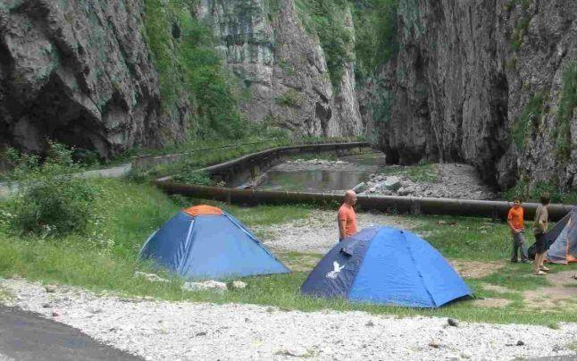 Cele mai frumoase locuri de camping din România - Târgu-Jiu