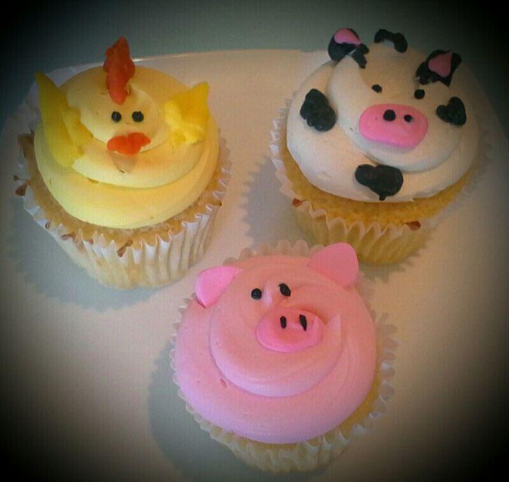 Buttercream farm animal cupcakes
