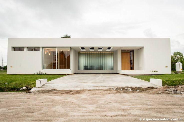 Moderna funcional y nica casas revista espacio for Casa moderna in moldova
