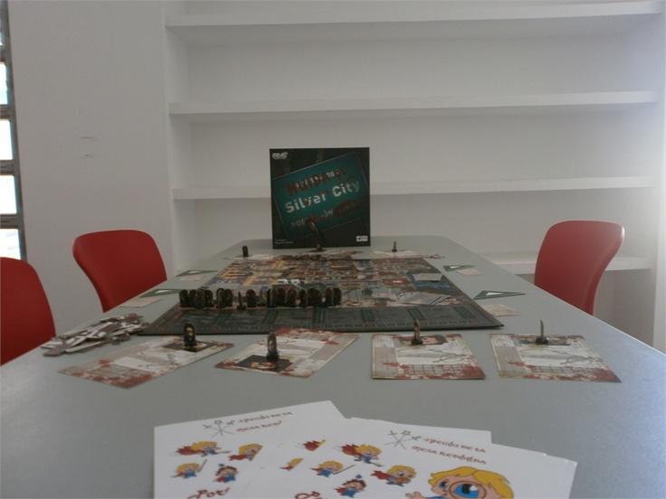 Día lúdico en Picassent, presentando Huida de Silver City. #zombies #juegos