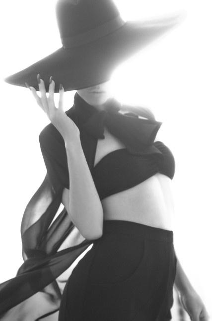 FOTO exclusiva de Denisse del grupo Belanova ropa de @Julia Franco