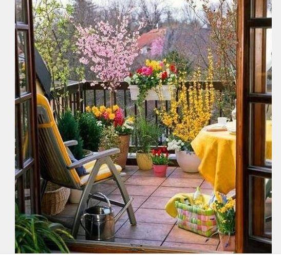 Balkon güzelleştirme fikirleri arasında birçok fikir yer almaktadır. İlk durum balkonun yeterli derecede aydınlanmasını sağlamaktır.