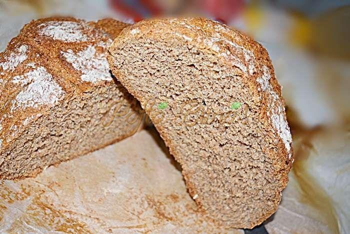 Pâine de casă fără frământare, făcută din făină integrală