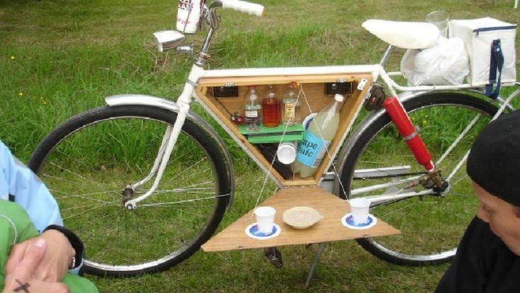 Mini Bike Bar - 15 Chic DIY Ideas to Update Your Bike | GleamItUp