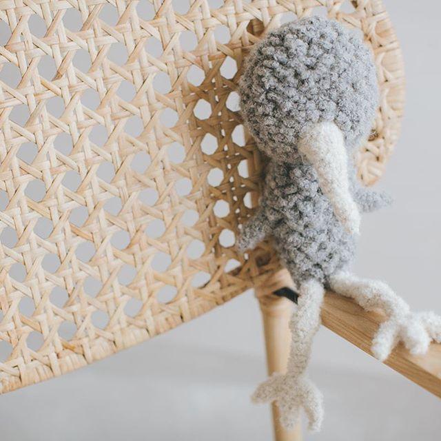 Ptaszak w poszukiwaniu swoich oczu. #bird #cozy #grey #wool #handmade #design #kinderzimmer #instamatki #instagood #dailyescape #minimalist #skandinavian #nordic #dropsfan #thepolishcollective