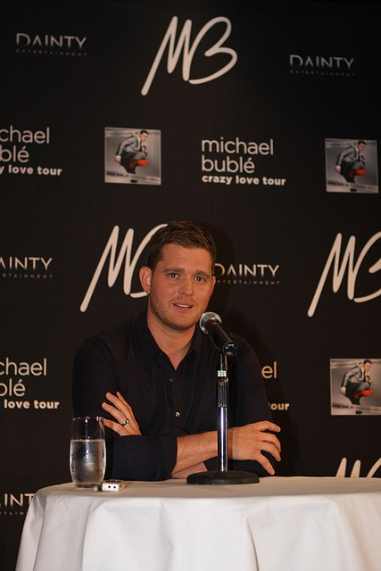 """Birth Name  Michael Steven Bublé    Height  5' 10½"""" (1.79 m)    Mini Biography  Multi-platinum artist Michael Bublé grew up near Vancouver, British Columbia, Canada. He was introduced to swing music and old standards by his grandfather, who offered his serv The Rat Pack Tribute is Undying and Classic This Rat Pack Tribute impersonators Show will take you back to the great days.. http://www.ratpacktributeshow.org"""