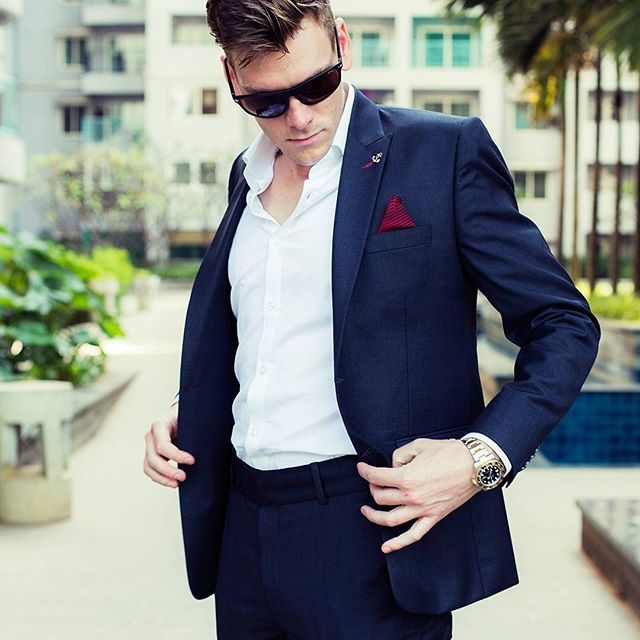 PIETER PETROS || CLASSIC I || When wearing #Classic1 the confidence that rolls-off of you will attract an audience. Turn around and pose, for you are the star of the moment. #epitomeofexclusivity
