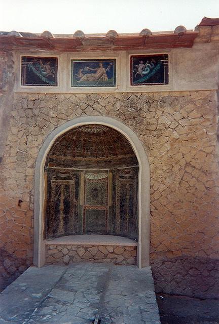 womens baths herculaneum    Frescos in the womens baths, Herculaneum.