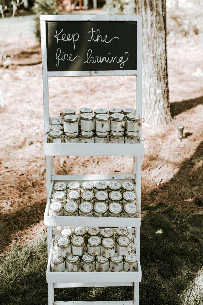 DIY Kerzen für Hochzeitsgäste   Bild von Nicole Veldman Fotografie + Video   – Funky Bracelets