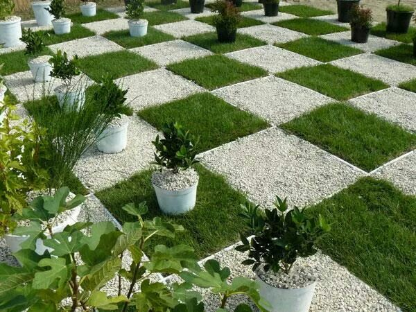awesome chess board design to decorate your lawn - Garden Design Game