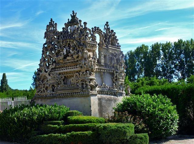 Le palais id al du facteur cheval 500 km de paris for Ideal paris