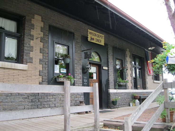Former Michigan Central Railroad passenger station in Mason, Michigan now houses the Mason Depot Diner