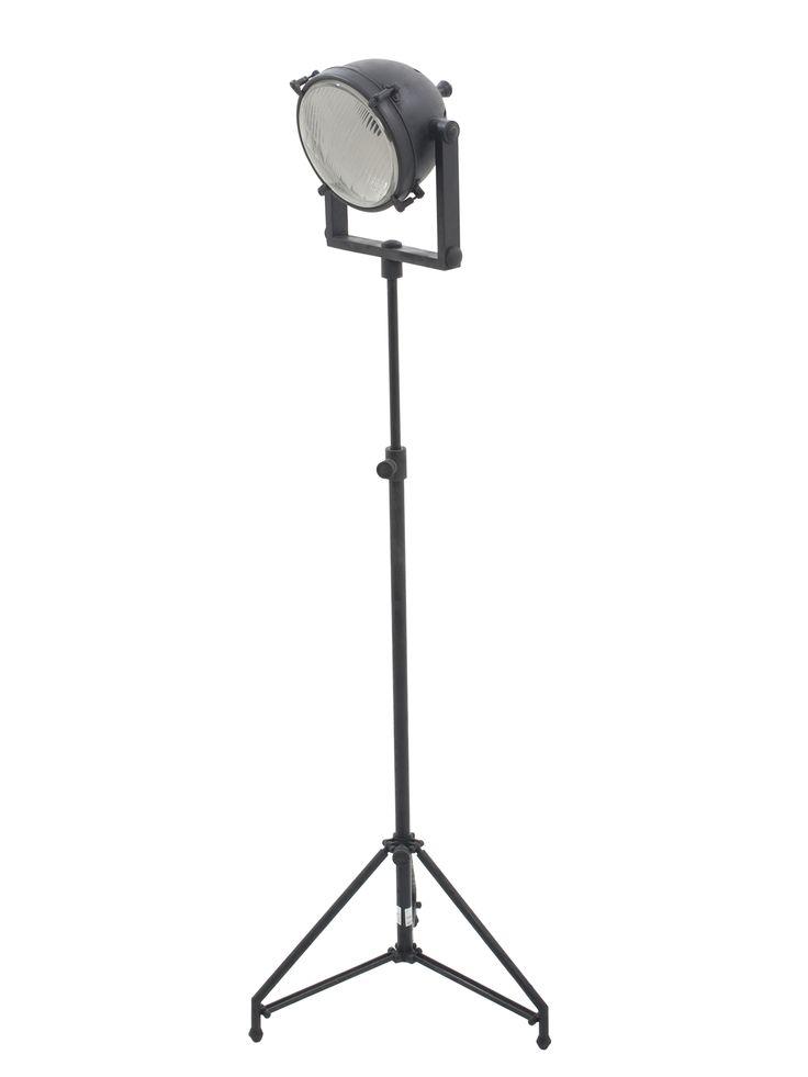 Stoere Staande Lamp. Vloerlamp met spot in antiek zwart. Industriëel en toch elegenat. Bestel deze staande lamp bij Stoerelampen.nl. Gratis bezorgd!