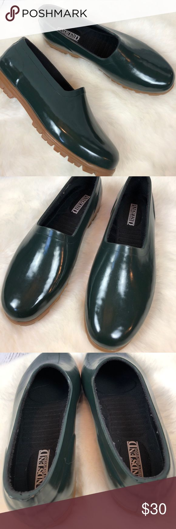 •Lands End• Green Rubber Duck Wellies Shoes Sz 10 These are SO PREPPY & FUN!!! Lands' End Emerald green chic low top duck boots/rain shoes with gum sole. Waterproof. Women's Size 10. Slip On. Show very minor wear & look unworn. Total 90's look!!  Inside features removable ergonomic / textured neoprene insoles with arch support & Lands' End logo. Smoke free home!! Lands' End Shoes Moccasins