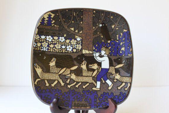 Arabia Finland Kalevala Year Plate 1979 by Raija Uosikkinen, Wall Decor, Collectible,