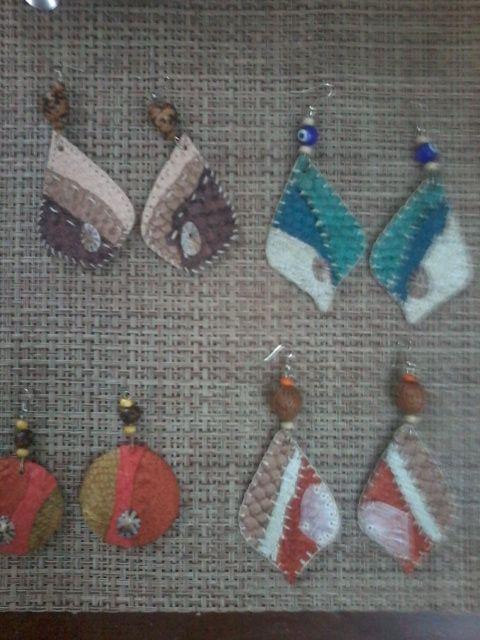 Artesanato em couro de peixe, pecas exclusivas feitas a mao