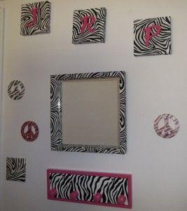 Zebra Print Wall Decor-Easy and Stylish Decor Ideas at http://diyhomedecorguide.com/zebra-print-wall-decor/