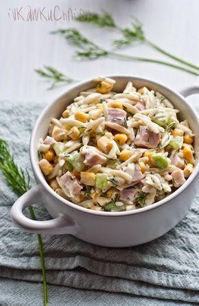 Dziś w menu bardzo smaczna i lekka sałatka.  Świeża i delikatna dzięki zawartości ogórka i koperku.  Łatwa do przygotowania i składa ...
