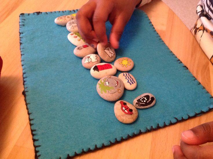 Öva språkförståelsen och fantasin på förskolan med sagostenar. #Anna-Maria.Sundberg