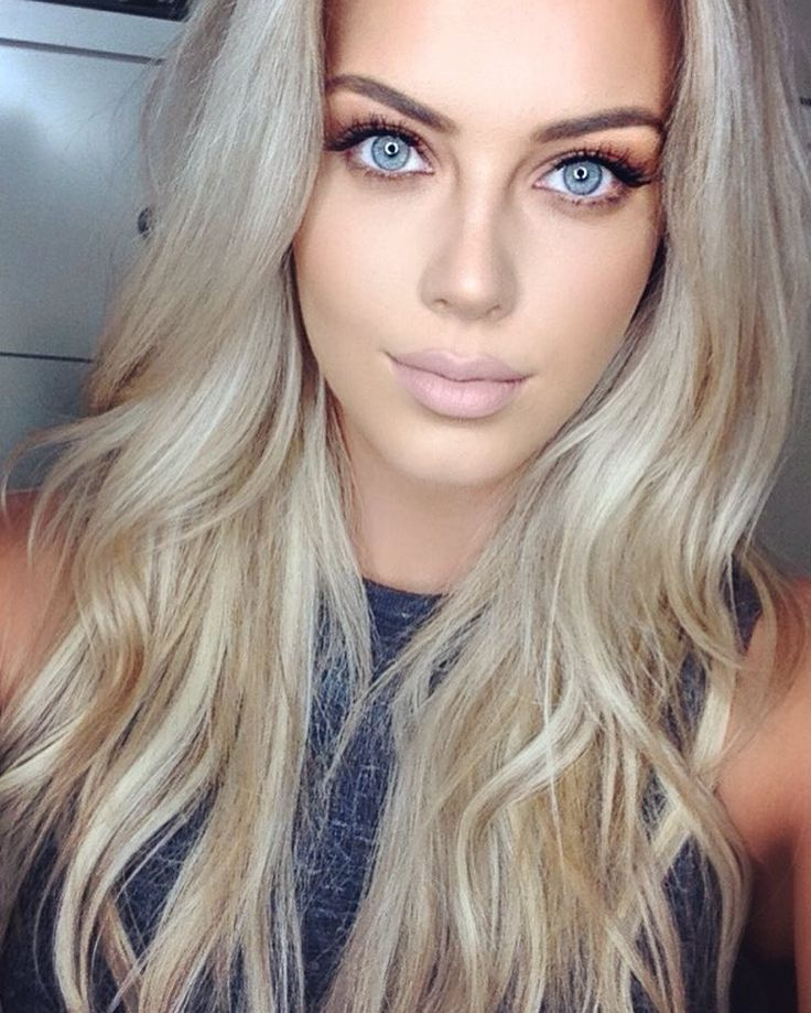 """Chloe Boucher - """"Editing a 'Get Ready With Me' #YouTube #blogger #makeup #hair #grwm""""   Instagram"""
