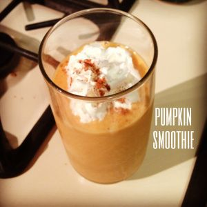 Healthy Pumpkin Smoothie. Perfect Fall Drink. #autumn #recipe