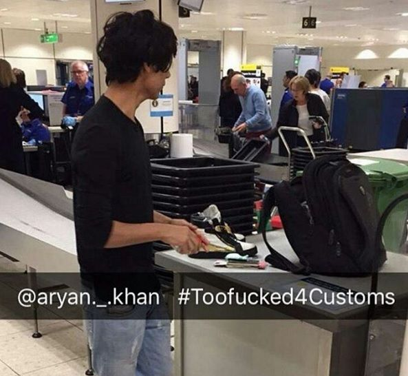 Navya Naveli Nanda shared this pic of Aryan Khan waiting for customs in Airport