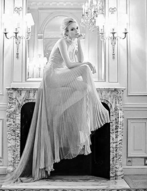 Diane Kruger + spectacular pleats.