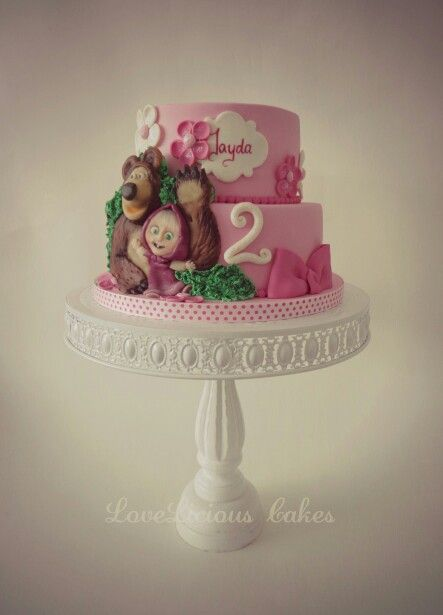 Masha and the bear cake www.loveliciouscakes.nl