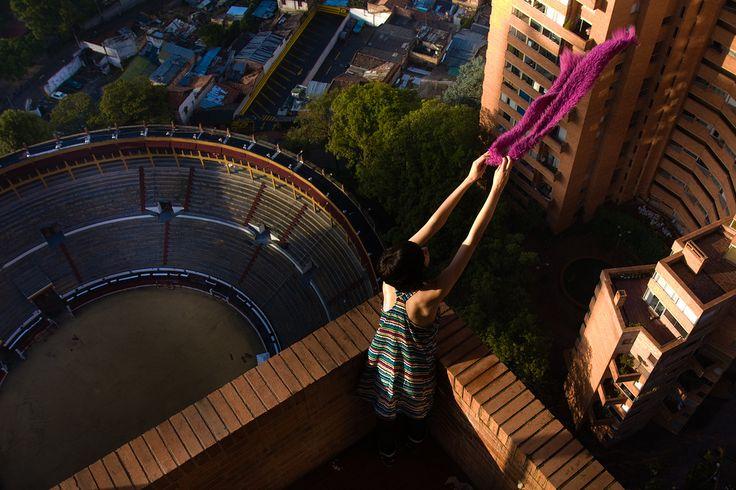 Torres del Parque en Bogotá, con vista al Circo de Toros de Santamaría.